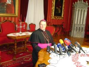 nadbiskup Hranic Bozic 14.