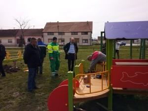 Vinkovic i Soldo u Budrovcima djecje igraliste